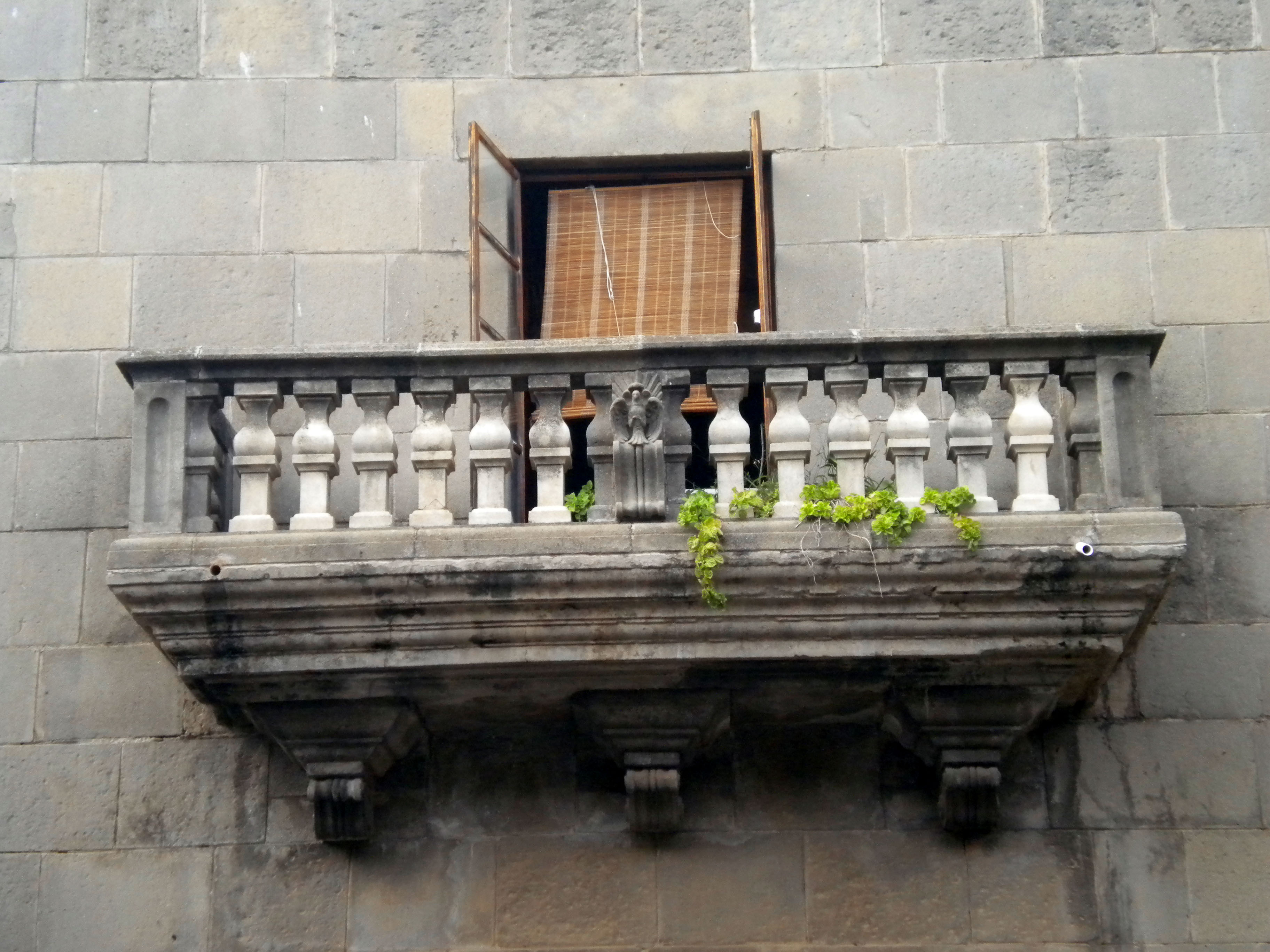 Romeo olvid cu l era el balc n de julieta for What is balcon